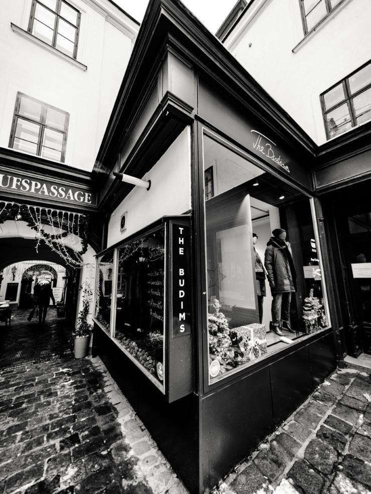 Geschäft und Location von The Budims | Your Denimshop | Wien Jeans Spezialist