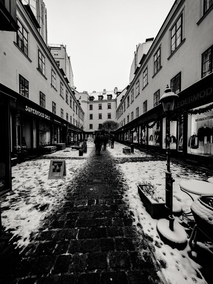 The Budims im malerischen Raimundhof | Your Denimshop | Wien Jeans Spezialist